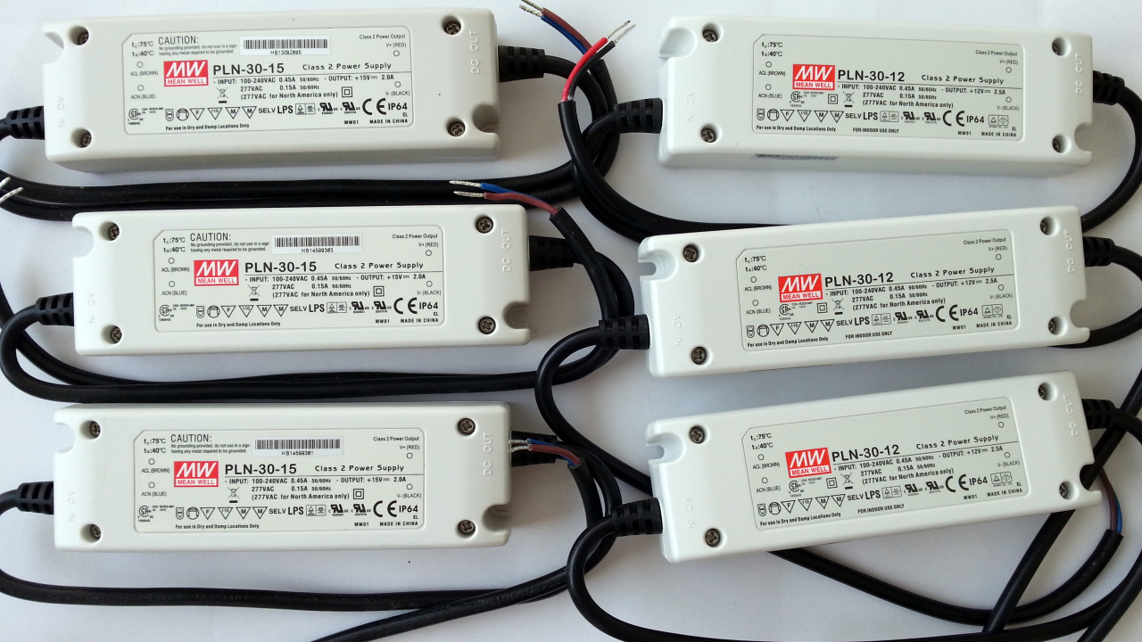 Meanwell_IP64_PLN_30_12_15_power_supply